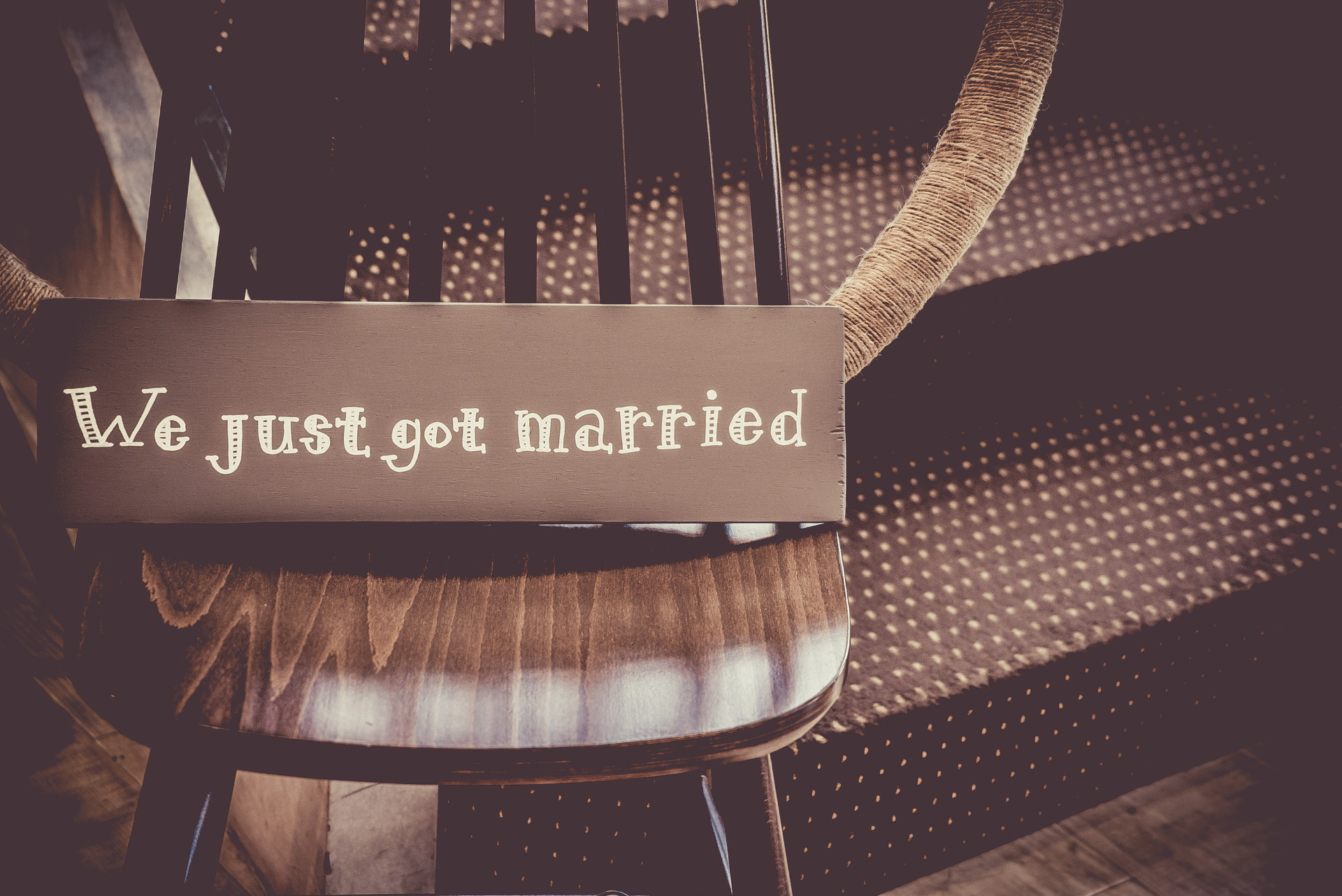 結婚式に招待されたらご祝儀の金額はどうする? アイキャッチ