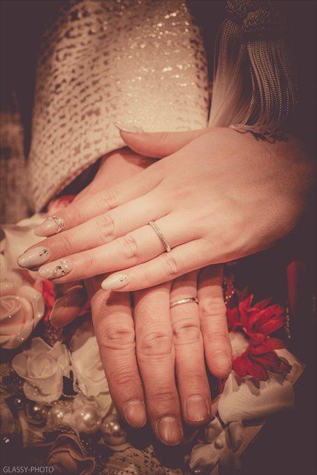 新郎新婦のお二人の指輪をはめた手を写真に撮って御開きです