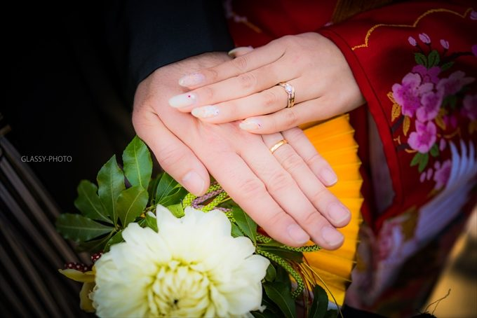 新郎新婦お二人の手にはめられた指輪写真も撮っておきましょう!