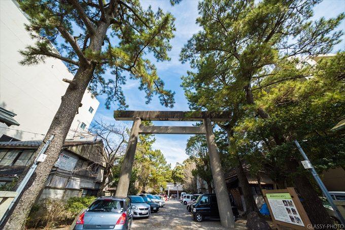 「安久美神戸神明社」さんの入口にある鳥居