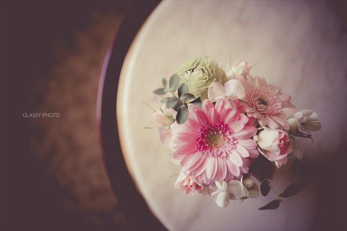 新郎新婦さんのメイクルームにはかわいらしい花が飾ってありました