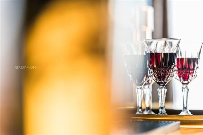 グラスに入ったワインもとても絵になります