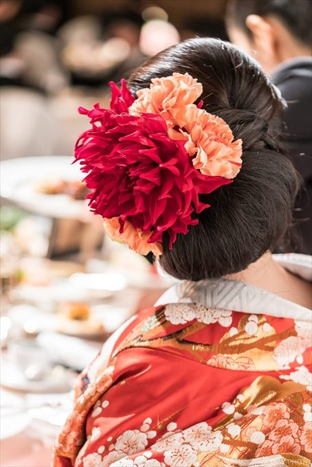 花嫁さんの髪飾りも素敵なので写真におさめましょう