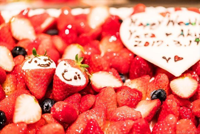 寄り添う夫婦イチゴがこれまた素敵です