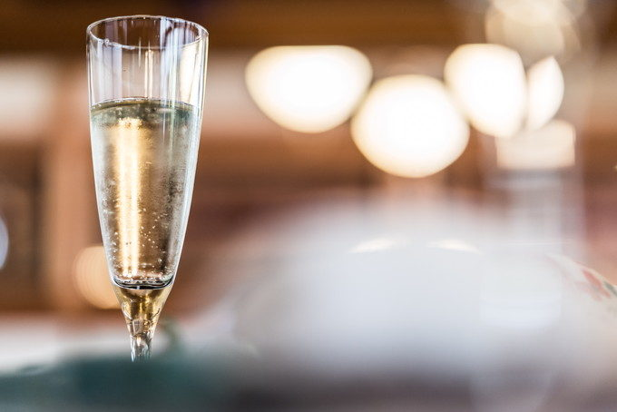 今回は乾杯用ではないのですがシャンパンも希望であればいただけるようです 愛知県 名古屋市 昭和区 八事 FUMON-EN 普門園 八事の杜 興正寺 竹翠亭 結婚式 二次会 写真 カメラマン