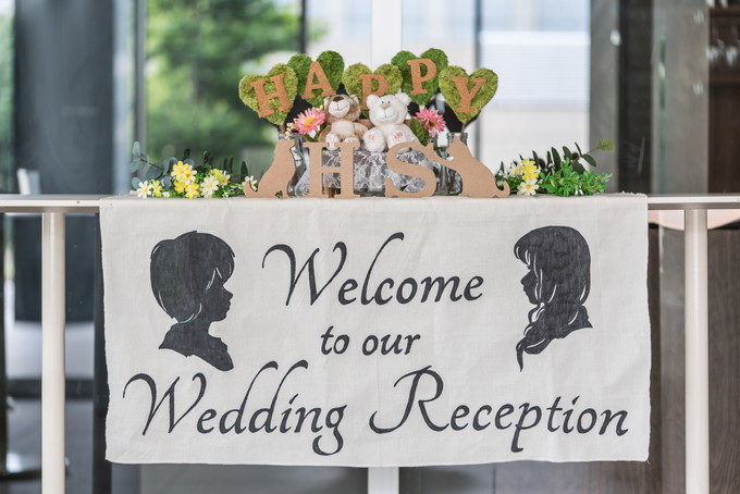 すごく仕上がりの良い手作りのウェルカムフラッグ(ウェディングフラッグ)がゲストをお出迎え 愛知県 名古屋市 西区 名駅 中区 栄 オペラ opera サニーオーチャード 32orchard 結婚式 二次会 写真 カメラマン