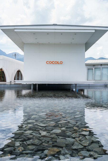 水辺のチャペルの名前は「COCOLO」というのでしょうか