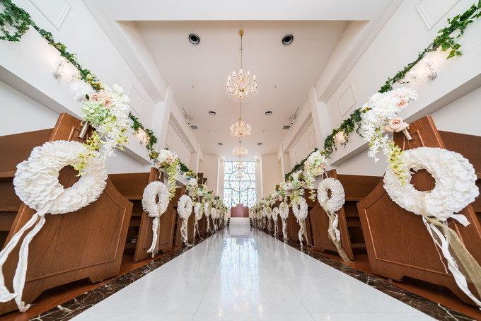 アールベルアンジェ名古屋さんのチャペルは白を基調とした清潔感溢れる雰囲気です