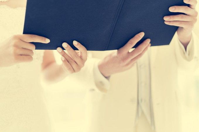 リハーサル時に撮れる手元の寄り写真 こちらはお二人で誓いの言葉を述べているところ