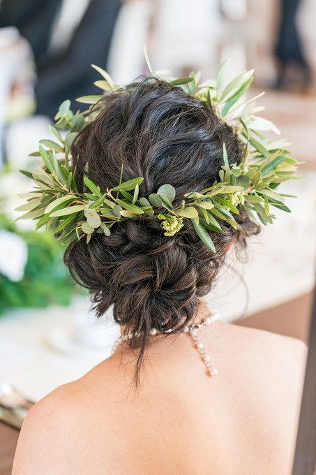 花嫁さんの素敵なヘアーリースを披露宴中の自然な姿で撮ります
