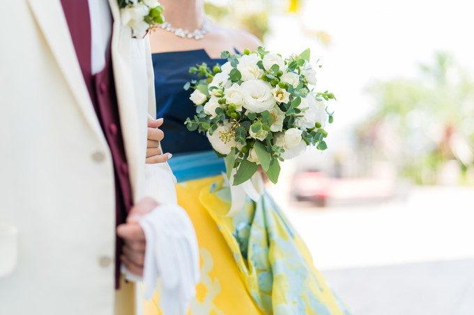 お色直しをした花嫁さんの持つブーケもドレスにピッタリでした