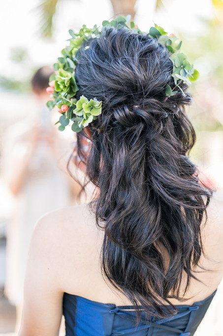 お色直しをした花嫁さんのヘアーはダウンスタイルでゴージャスな感じに