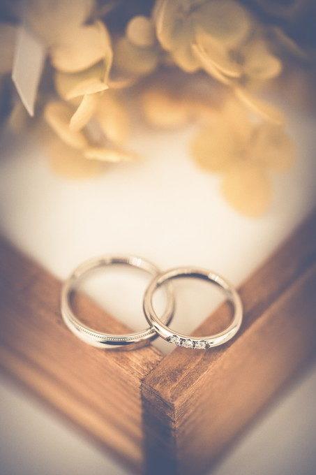 大事な指輪を傷つけたくないですしね でも指にはめたらあっという間に傷だらけとなるのは結婚指輪の定め