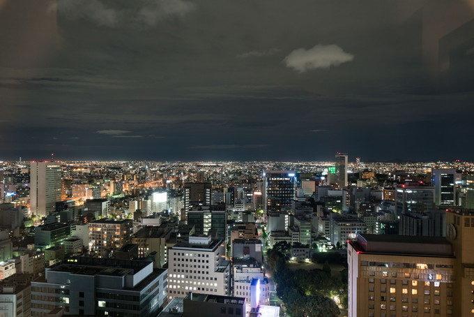 日が暮れたら28階からの名古屋の夜景も写真に残しておきたい