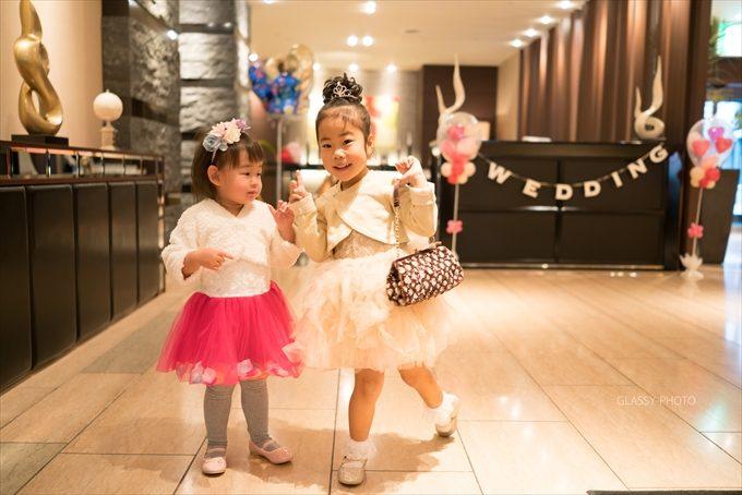 女の子二人のポーズ