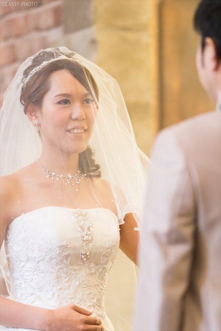 誓いを述べる花嫁