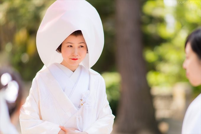 白い綿帽子のすごく似合う美人花嫁さん