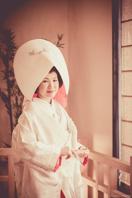 鶴の模様をあしらった綿帽子も素敵ですね