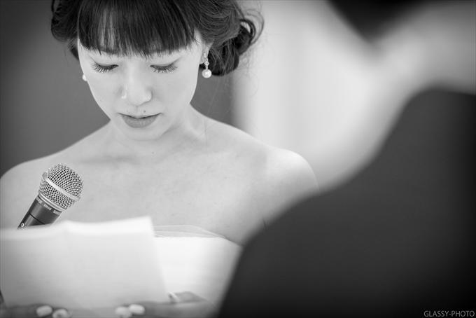 新郎新婦お二人からの感謝の言葉と花束贈呈です