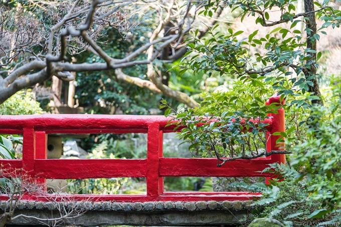 この赤い橋は必ず使いたいところです 賀城園 名古屋市 熱田区 結婚式 写真 カメラマン