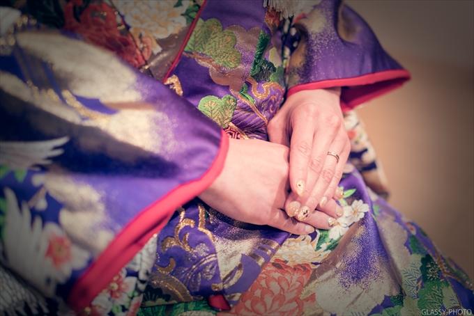 花嫁さんは手先にまで気を配る必要があります 賀城園 名古屋市 熱田区 結婚式 写真 カメラマン