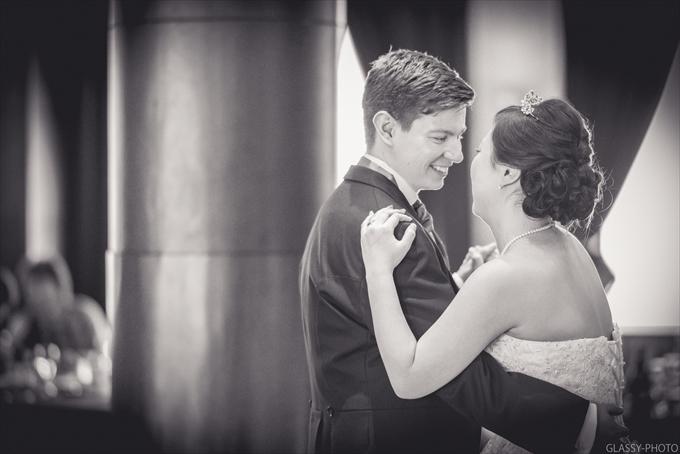名古屋市のアスナル金山近くにあるホテルにて結婚式の写真撮影