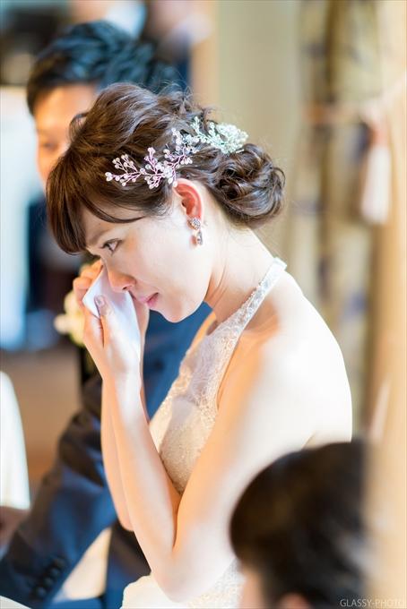 ご友人からのスピーチで涙する花嫁さん
