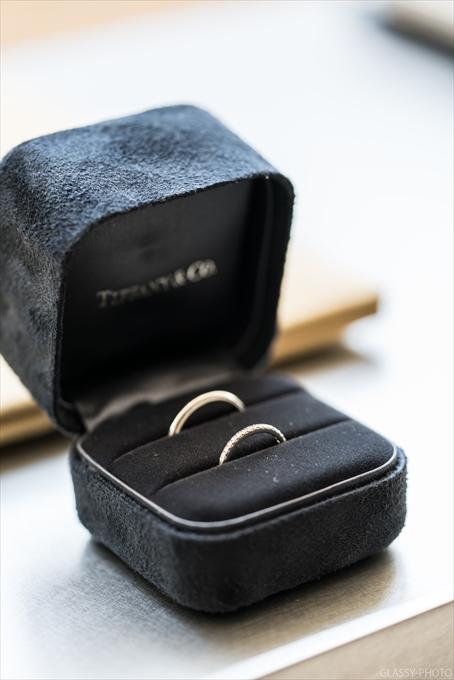 挙式前にまずは結婚指輪から