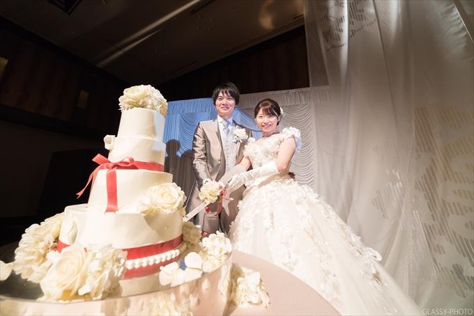 ケーキ入刀のシーンです!