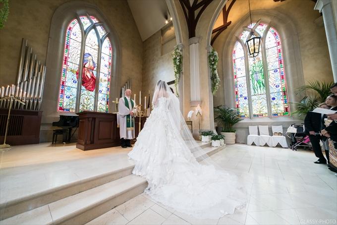祭壇が広いととても素敵な写真となりますね