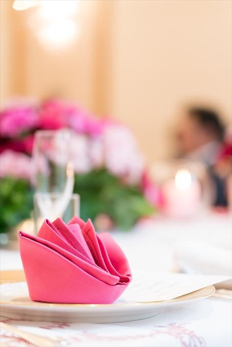 テーブルナプキンも綺麗に飾られています