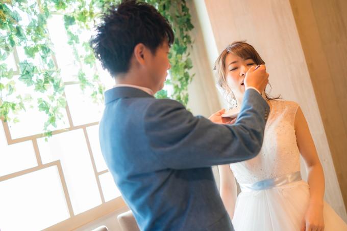 花嫁さんにファーストバイト!
