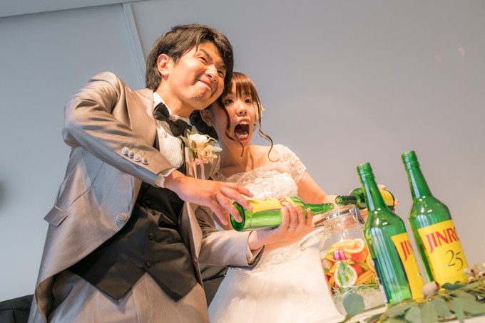JINROをいっぱいまで入れて果実酒ベースの出来上がり!