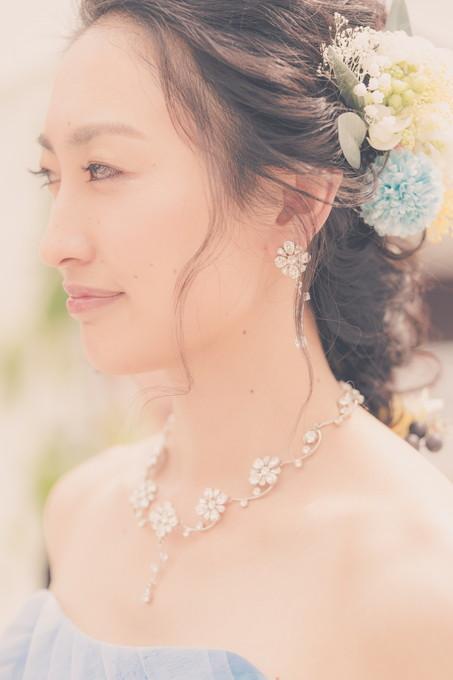 お色直しした美しい花嫁の横顔