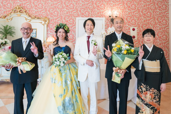 披露宴後の家族写真