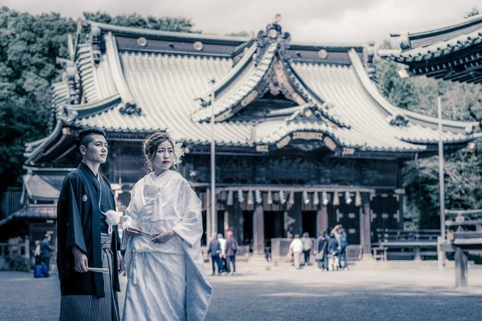 三嶋大社の本殿の前でツーショット