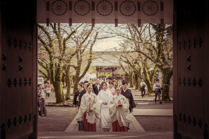 花嫁行列の先頭