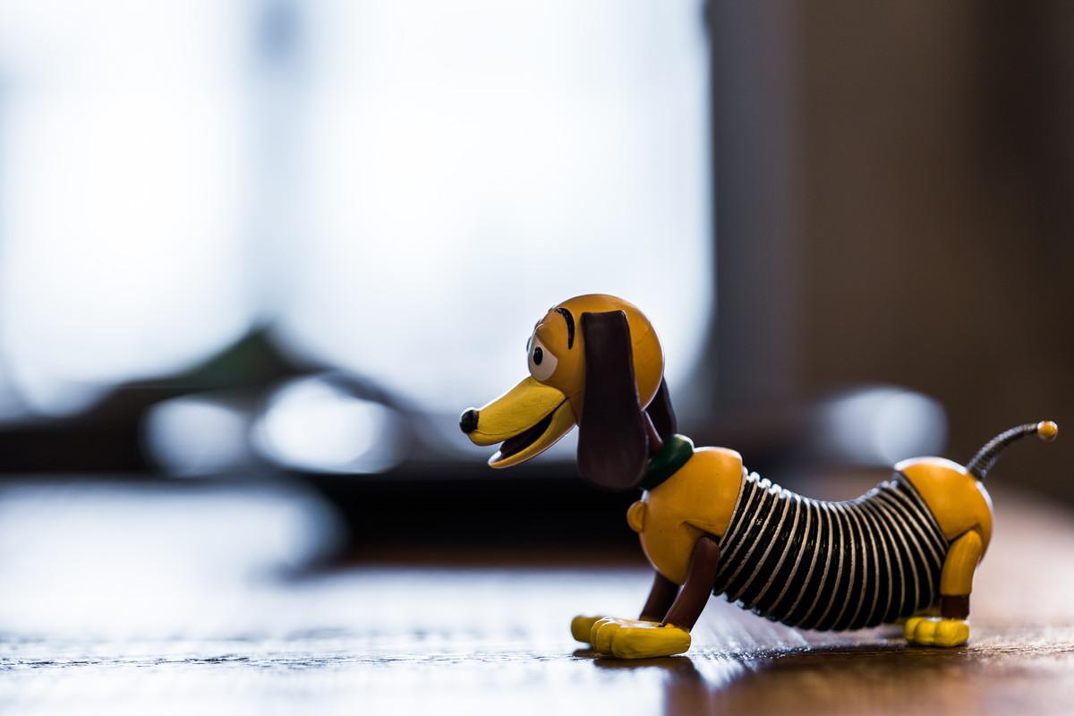 バネバネのスリンキー・ドッグ