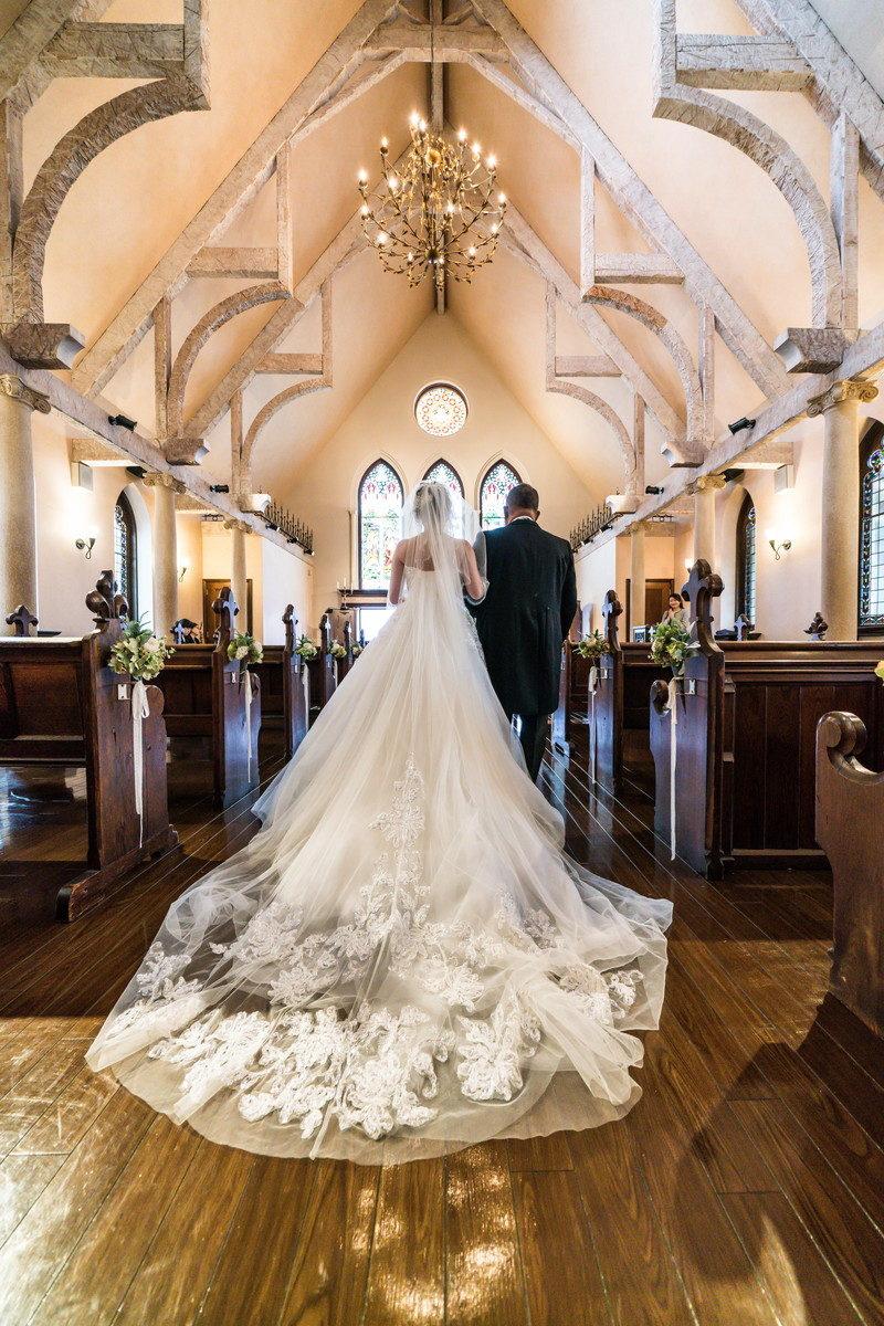 お父さんと花嫁の入場シーンは後ろ姿も撮りたい