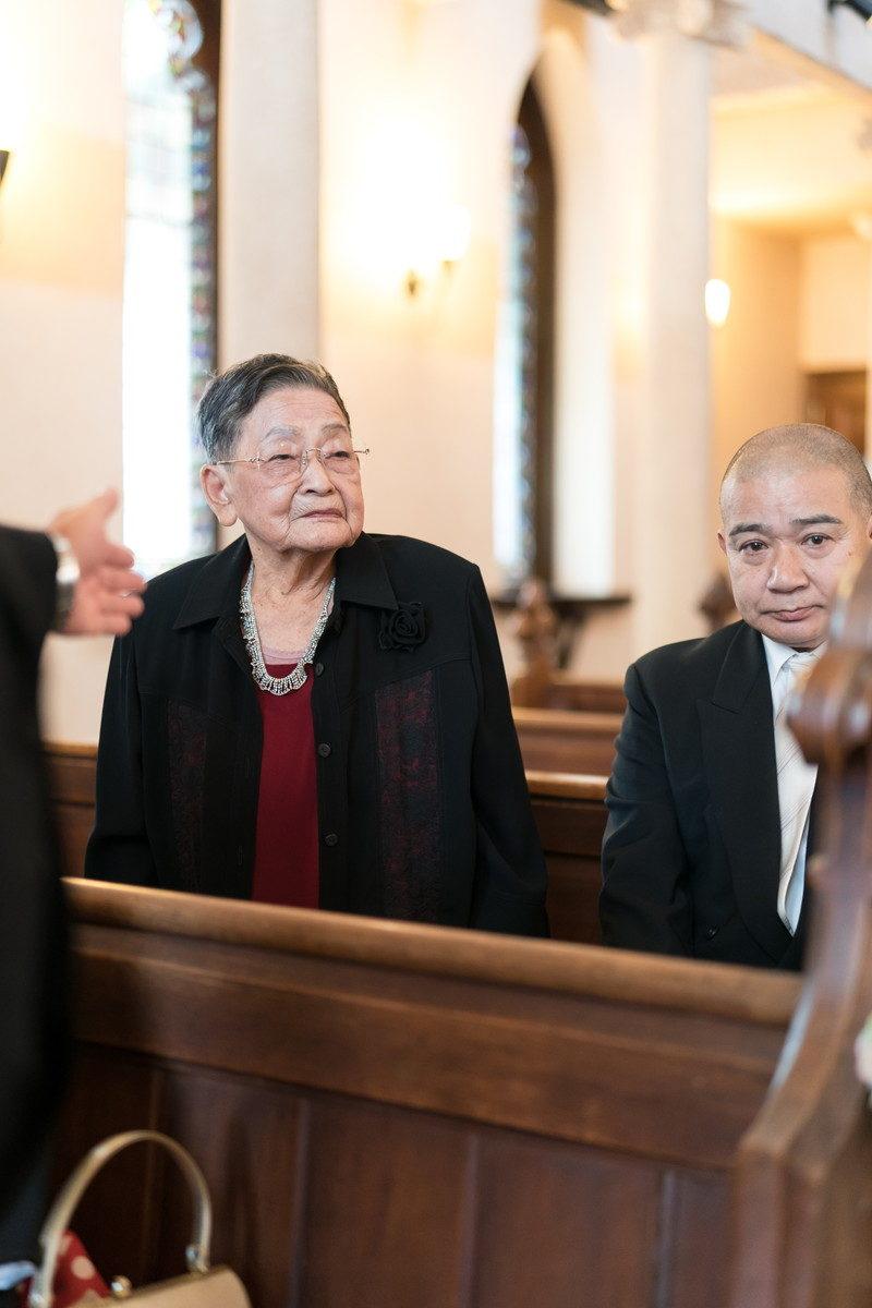 おばあちゃんもご出席ありがとうございます