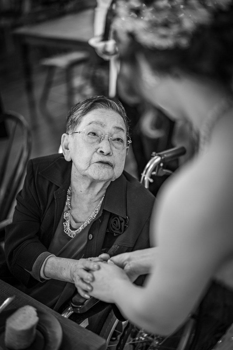 「おめでとう」おばあちゃんの言葉に涙します