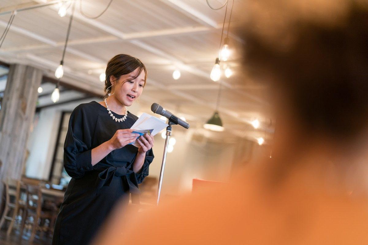 新婦のご友人によるお祝いのスピーチ