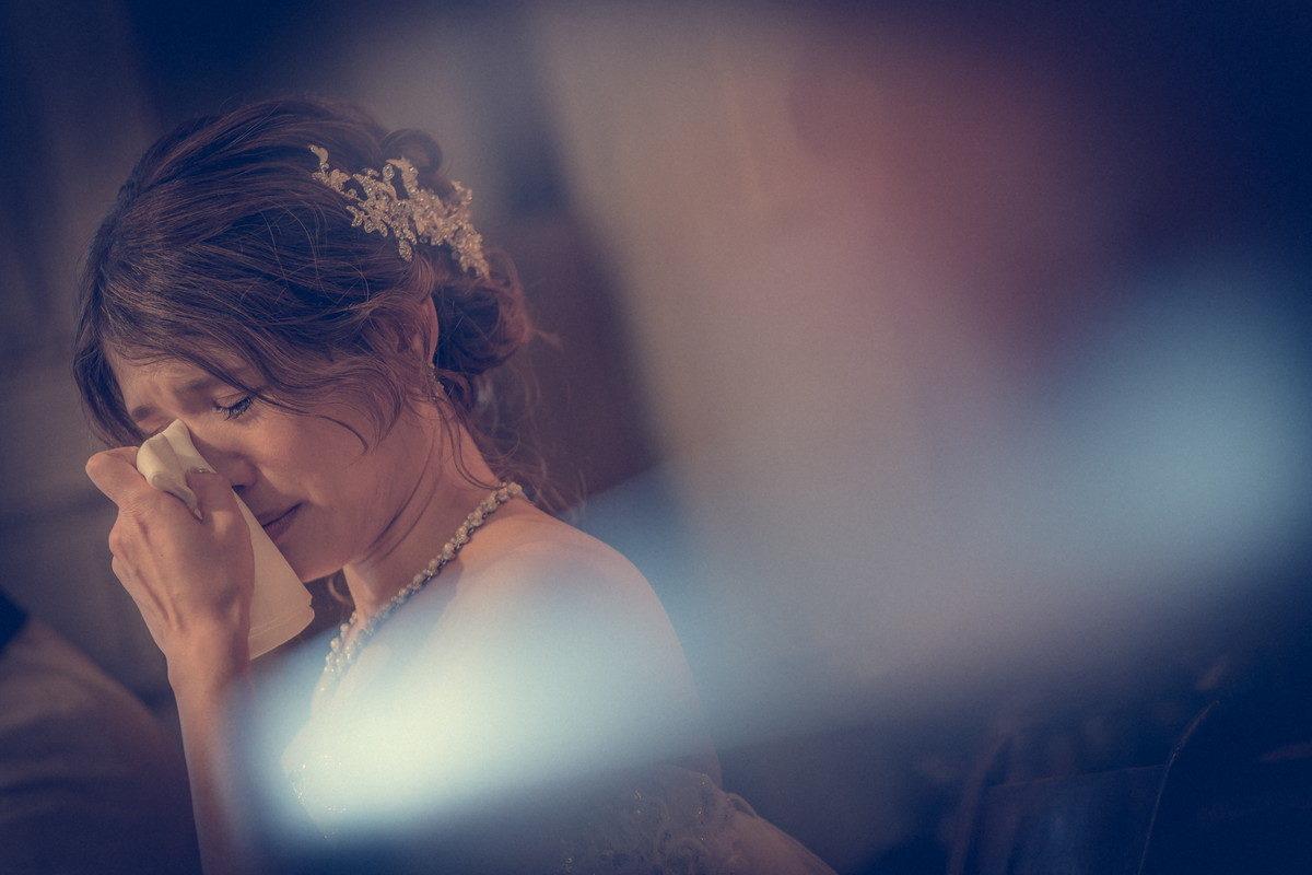 心のこもったメッセージに感動する花嫁