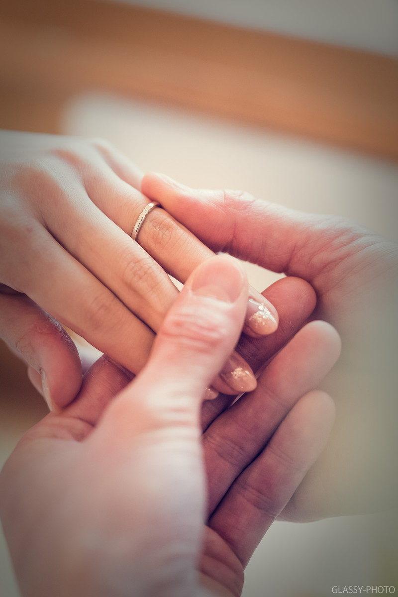 結婚指輪の交換はリハーサル時に手元のアップ写真を撮ります