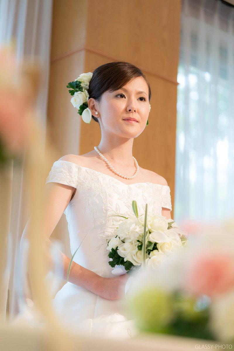 花嫁は姿勢がいいとより美しく見えます