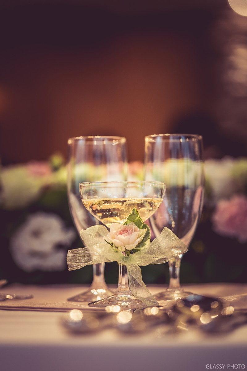 乾杯グラスのおいしそうなシャンパン