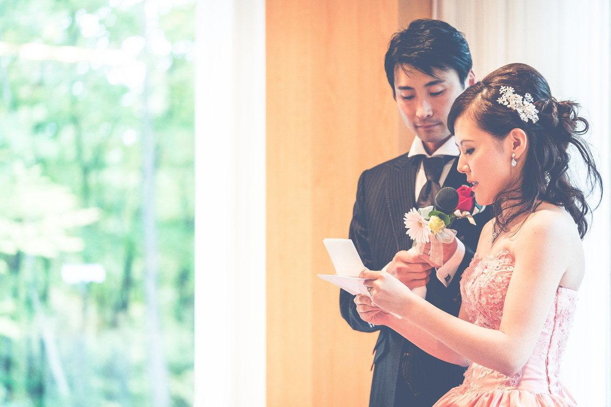大きな見どころとなるのが花嫁による感謝の手紙朗読から両親への花束贈呈です