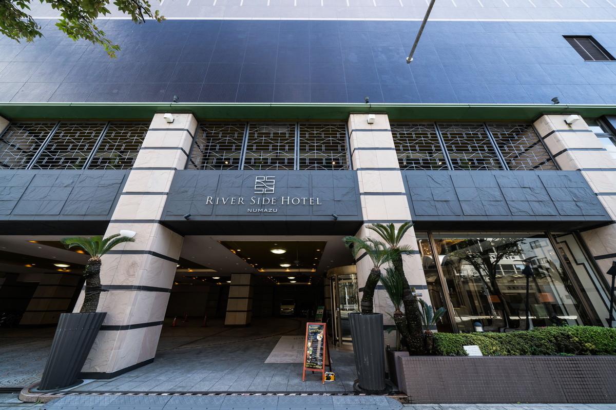 沼津リバーサイドホテルさんの正面入口